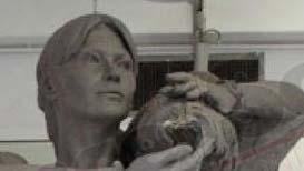 Carla-bruni-statue