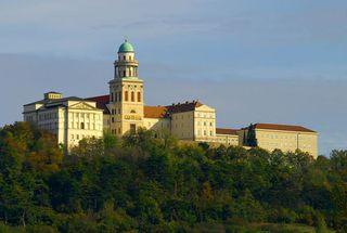 Hongrie-abbaye-pannonhalma