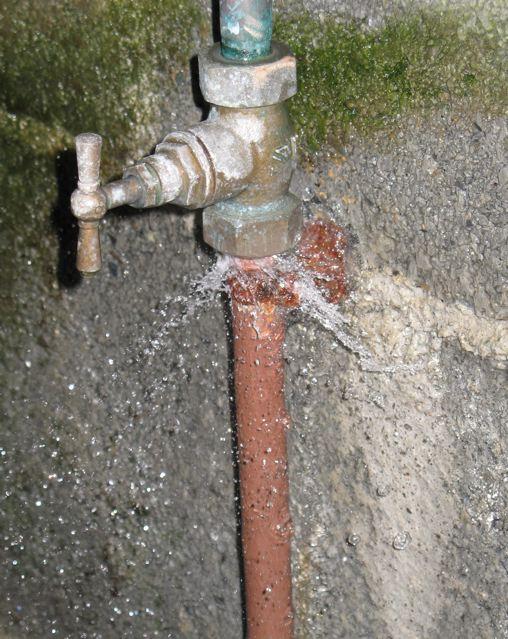 fuite d eau entre compteur et maison detection de fuite deau entre compteur et maison enterre. Black Bedroom Furniture Sets. Home Design Ideas