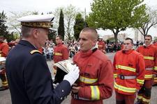 Ceremonie-de-remise-de-casques-par-le-vae-l-henaff-c-philippe_sola_article_demi_colonne