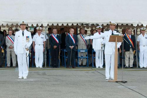 Prise-de-commandement-de-la-ban-hyeres-par-le-capitaine-de-vaisseau-dufit-c-marine-nationale_article_pleine_colonne
