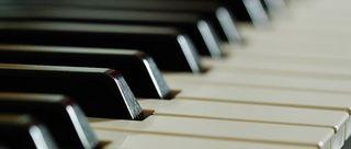 Piano-362252__180