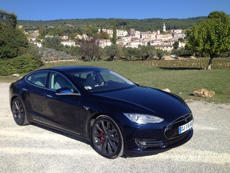 ESSAI. Tesla Model S P85+ : watt else  ?