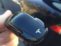 Tesla clé