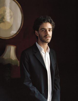 Adam Laloum 1 - Photo Carole Bellaiche  Mirare